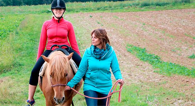 Tiergestuetzte Therapie mit dem Pferd